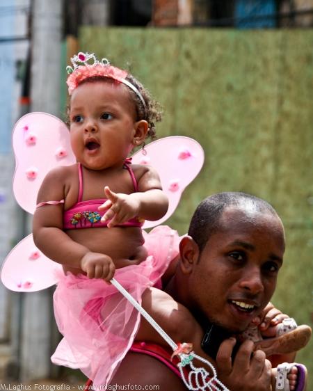 Criança no Carnaval da Bahia - 2012