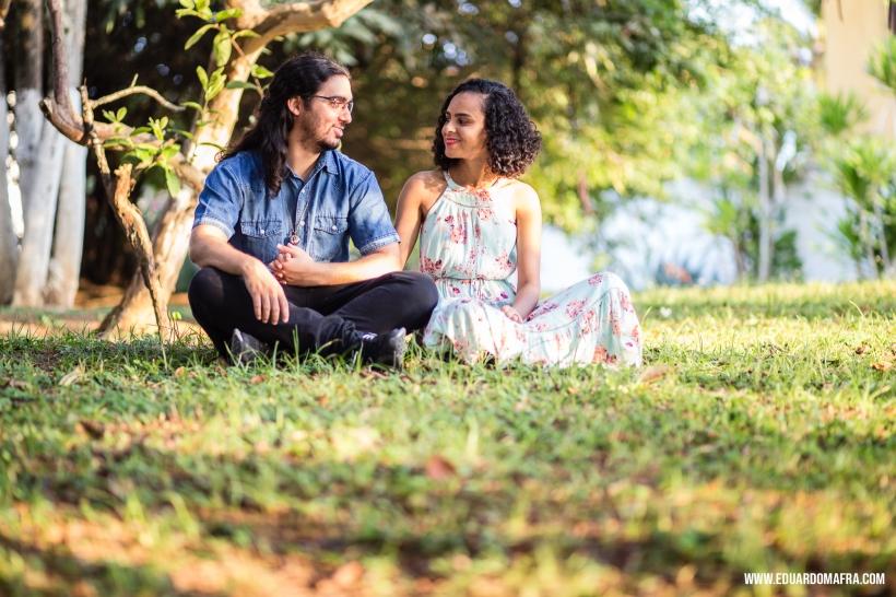 Ensaio fotográfico casal Carol e Tássio Salvador Lauro de Freitas fotógrafo profissional Vilas do Atlântico casamento noivado (2)