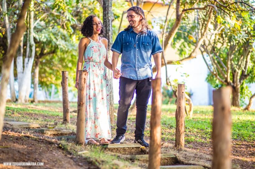 Ensaio fotográfico casal Carol e Tássio Salvador Lauro de Freitas fotógrafo profissional Vilas do Atlântico casamento noivado (4)